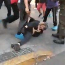 Trabajadores de dos cadenas de comida rápida tuvieron una riña con manifestantes que conmemoraban el asesinato de los hermanos Vergara Toledo