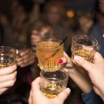 """""""El patrón de consumo de alcohol en Chile es del tipo 'atracón', distribuido solo en un par de días"""""""
