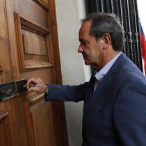 Allamand lanza un balde de agua fría al control de identidad de Piñera y advierte que tiene cero posibilidad de ser aprobado
