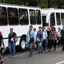 Venezuela: Gobierno dice que una falla prolonga apagón por tercer día