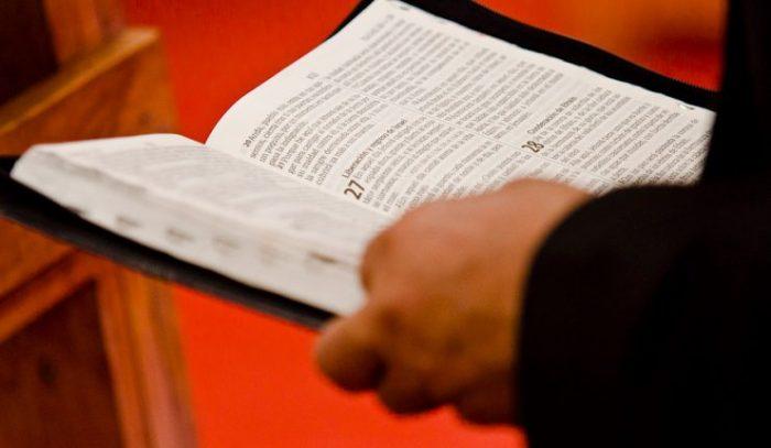 Insólita justificación de colegio evangélico ante casos de desmayos en sus alumnos: fueron tocados