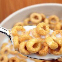 Mal despertar: expertos alertan a la población por altos niveles de acrilamida en los cereales para el desayuno en Chile