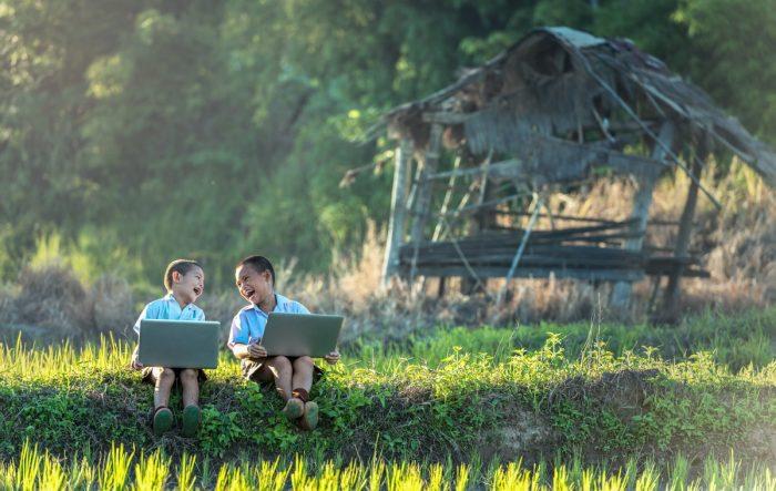 Día de las Regiones: la importancia de la descentralización en la reducción de la brecha digital