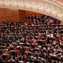 China recorta proyección de crecimiento y advierte sobre difícil año económico