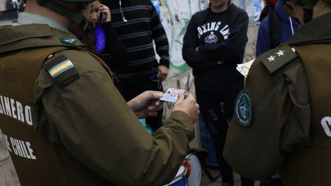 Lo justifica con cifras: Gobierno se juega por control preventivo de identidad a menores desde 14 años