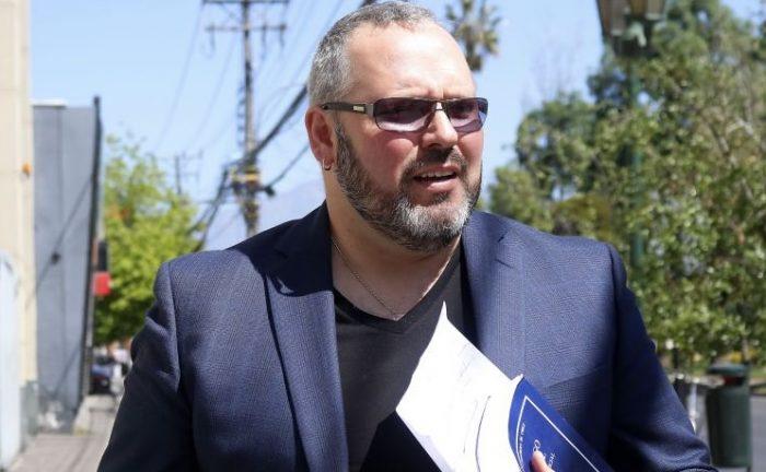Dávalos salió en defensa de Bachelet y criticó dichos de Bosé en contra de la exmandataria