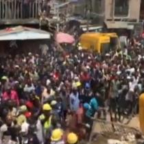 Derrumbe de escuela enNigeria deja a más de 100 niños atrapados