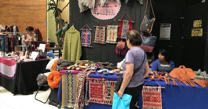Feria Mapuche en Centro Arte Alameda