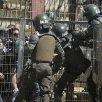 Nuevo caso de violencia policial: hincha es golpeado brutalmente por Fuerzas Especiales a la salida del estadio