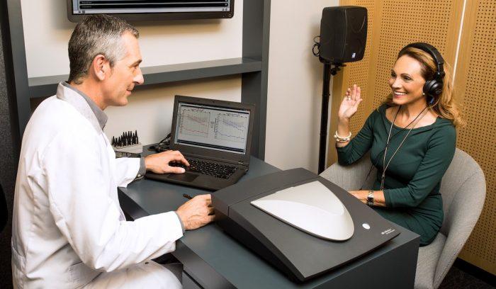 Relacionan la pérdida auditiva con el aislamiento social y posibles demencias