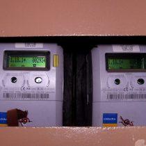 Gobierno llega a un acuerdo con empresas eléctricas: se pagarán 10 mil pesos por cambio de medidores
