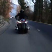 Empresa francesa presenta la primera moto voladora que saldrá a la venta en octubre próximo