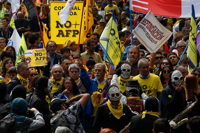 No+AFP cifra en 2 mil los asistentes a manifestación contra el sistema de pensiones en Santiago