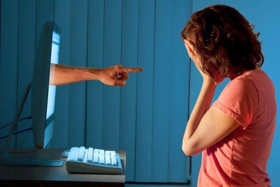 ¿Por qué los chilenos tendemos a la agresividad en las redes sociales?