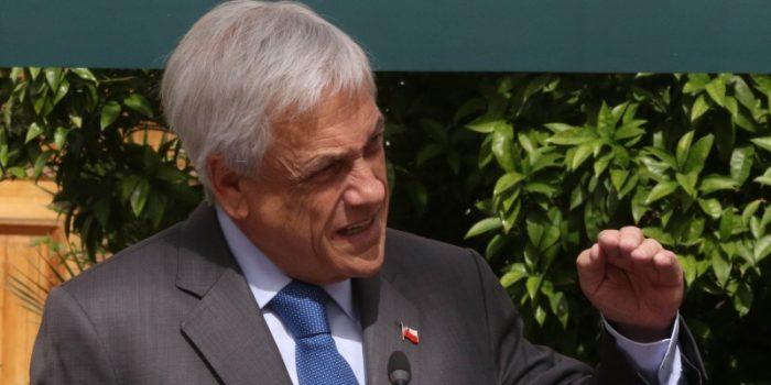 """Se acabó la tregua entre Piñera y las feministas: exige que invitadas a almuerzo con Bolsonaro usen """"vestido corto"""""""