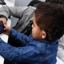 Menor de dos años escucha por primera vez a su mamá gracias a nueva tecnología de Implante Coclear