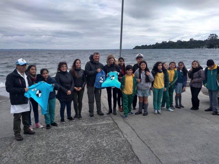 Vigilantes del lago: el proyecto que capacita a la comunidad en el monitoreo del estado de los lagos en el país