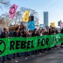 Rebelión contra la Extinción: activistas arriesgan penas de prisión para salvar el planeta