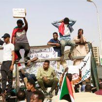 Fuerzas Armadas de Sudán deponen al presidente Al Bashir, en el poder desde 1989
