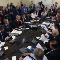 Gobierno trata de salvar reforma tributaria con nueva propuesta a la oposición
