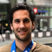 Hijo de Sebastián Piñera justifica viaje a China: