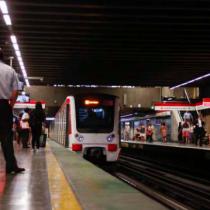 Preguntas incómodas sobre el aumento de suicidios en el Metro de Santiago