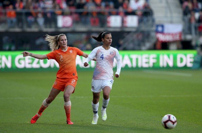 Partido para el olvido: Roja femenina fue goleada 7-0 contra Holanda