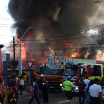 Gran incendio afectó el centro alto de Iquique