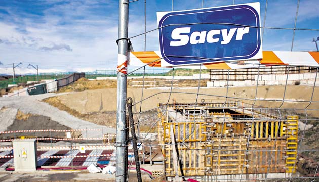 La constructora española Sacyr vende el 49% de siete concesiones en Chile