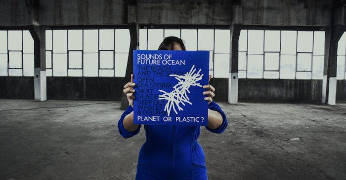 Álbum recrea sonidos del océano utilizando desechos plásticos retirados de las costas