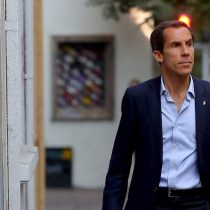 """""""Debajo de mi oficina hay prostitución"""": alcalde Alessandri se abre a idea de instalar un """"barrio rojo"""" en Santiago"""