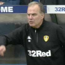 ¿Noble gesto o locura?: Bielsa ordenó a jugadores del Leeds que se dejen empatar tras polémico gol de su equipo