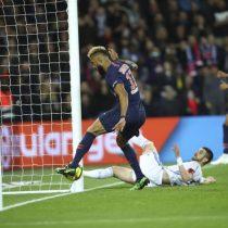 De no creer: futbolista salva a equipo rival sacando pelota en la línea de gol