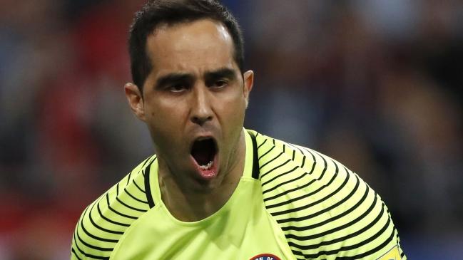 Salió humo blanco: Claudio Bravo vuelve a la selección tras reunión con Reinaldo Rueda