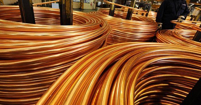 Protestas en Chile podrían destronar al mayor productor de cobre