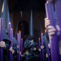 """""""Es compatible ser homosexual y católico, ¿por qué no?"""": cómo vive un cofrade gay la tradicional celebración de Sevilla"""