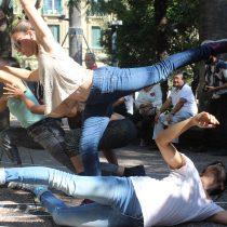 Danza contemporánea en Plaza de Armas de Santiago