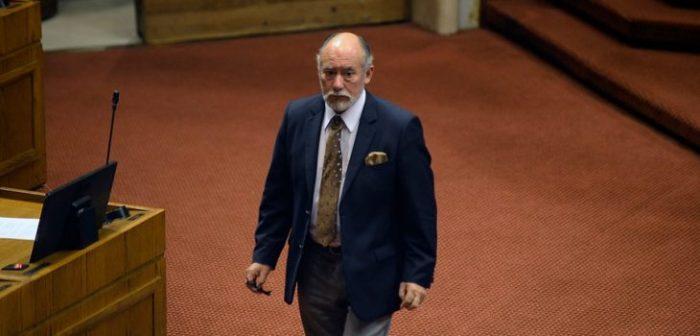 Presidente de la Cámara desafía a Piñera a ampliar agenda de reformas institucionales