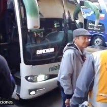 El que nada hace...: conductor huyó de una fiscalización y abandonó a pasajeros en terminal de Santiago