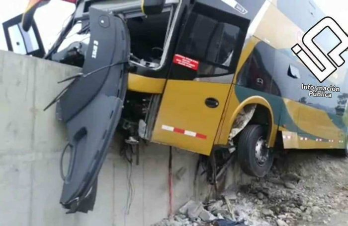 Accidente de autobús con simpatizantes de García deja al menos siete muertos