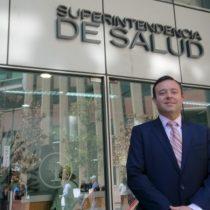 Permanencia de superintendente de Salud pende de un hilo tras polémica circular favorable a isapres