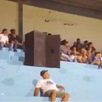 Hinchas 2.0: instalan parlantes en medio de la tribuna para reemplazar a barra de equipo salvadoreño
