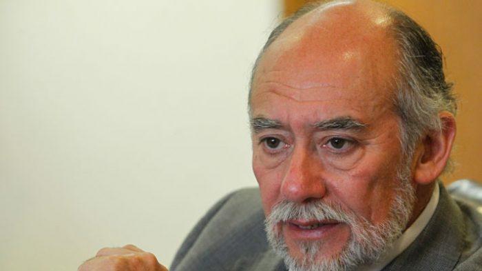 Diputado Iván Flores se defiende y justifica viaje al Vaticano: estaba
