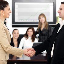 Disparidad salarial entre hombres y mujeres se solventa con