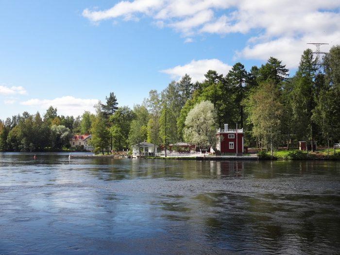 Vacaciones gratuitas en Finlandia para conocer su secreto de la felicidad