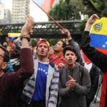 Dos detenidos y un herido tras protesta ante embajada venezolana en Argentina