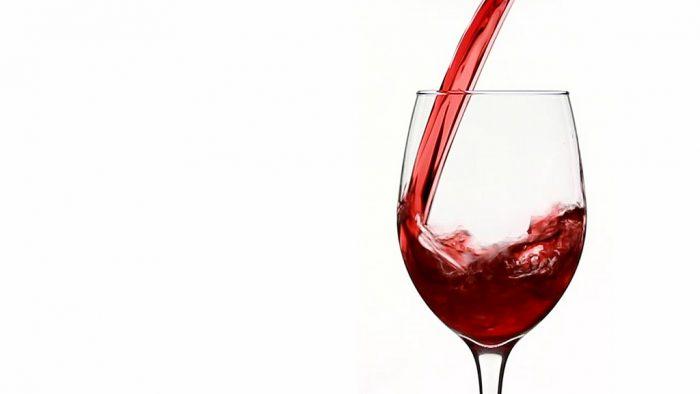 Dos vinos chilenos obtienen por primera vez 99 puntos en Descorchados