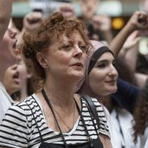 Actriz Susan Sarandon exigió a Piñera apoyar la adopción homoparental