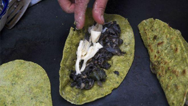 El lucrativo negocio del huitlacoche, el hongo que en México es un manjar y en el resto del mundo una plaga