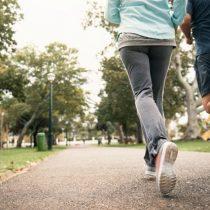 Cómo el sedentarismo cambió nuestros pies y qué podemos hacer para revertir el daño